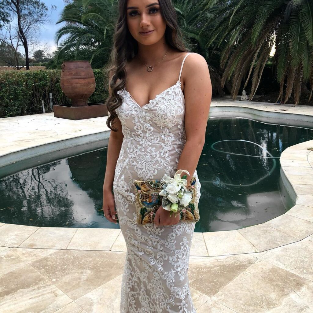evening-wear-school-formal-sydney-nicole-michelle-couture-15